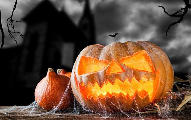 cropped_halloween-pumpkin-spooky-house-istock