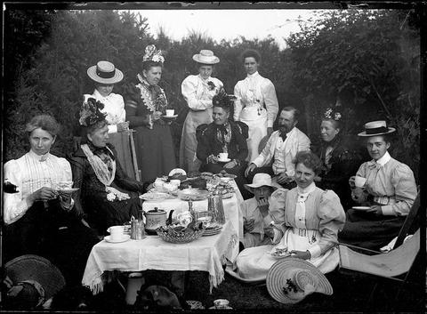 victorian-tea-party-victorian-era_large